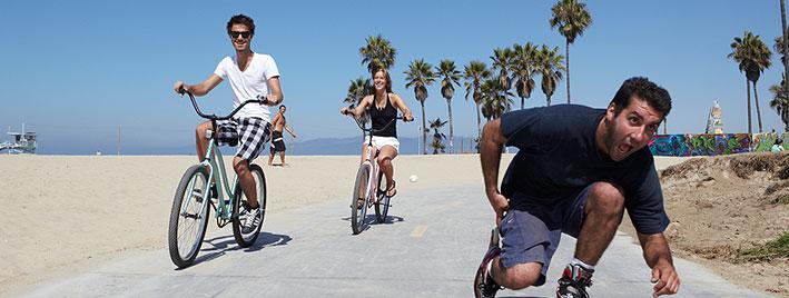 Ir en bicicleta y patinar en la playa, Los Ángeles