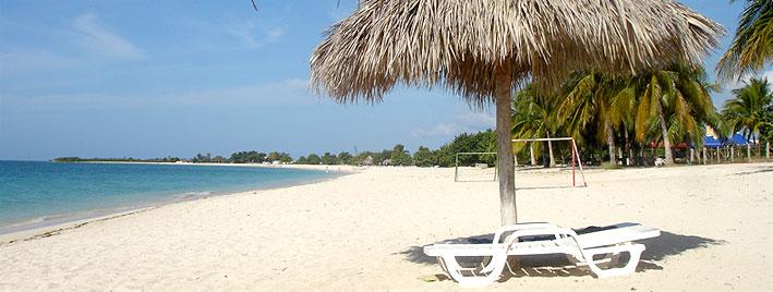 Arena blanca y palmeras, Trinidad